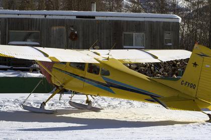 Houseboat & Plane