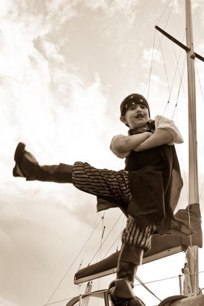 More pirate dancing!